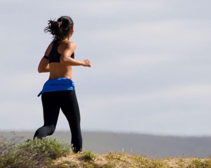 아침운동 효과, 아침운동이 주는 5가지 혜택! 아침에 운동을 위해 일어나는 것은 쉬운일이 아닙니다..ㅠㅠ 저도 다이어트를 위해 아침에 일찍 일어나 회사까지 1시간 30분 정도를 걸어서 출근하고 있습니다. 너무 추워서 귀가 짤릴 것 같지만... 휴...운동하고 다이어트를 위해.. 저에게 동기부여를 해주려 포스팅합니다. 아침운동이 주는 5가지 효과 !! 1. 자기관리  일관되게 꾸준하고 충분한 운동을 일정에 맞춰서 진행하는..#운동 #아침운동 #다이어트