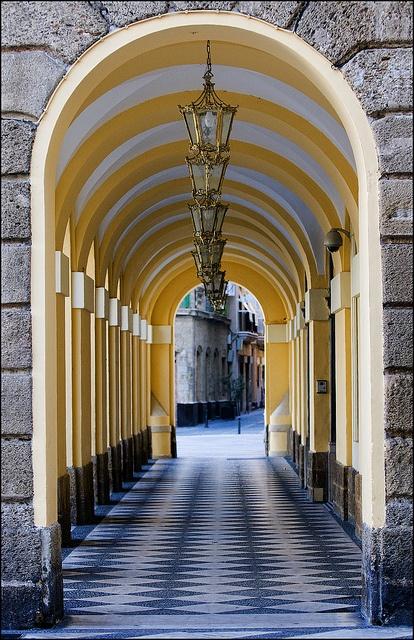 Centro de Cadiz, Andalucía, Spain ~~ For more:  - ✯ http://www.pinterest.com/PinFantasy/viajes-espa%C3%B1a-en-im%C3%A1genes/