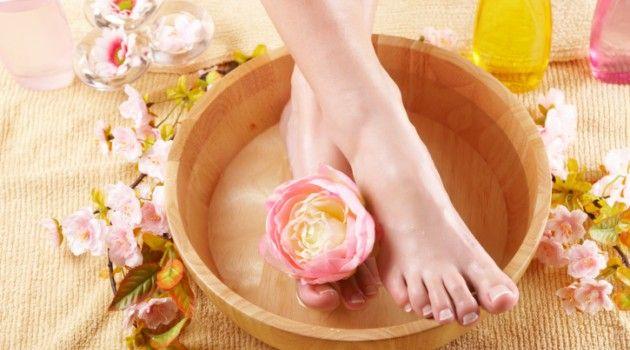 Dicas e receitas para ficar com os pés macios - Bolsa de Mulher