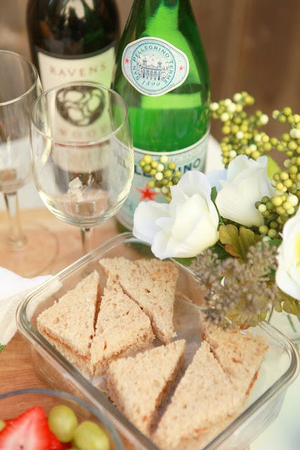 Planning the Perfect Romantic Picnic (Affordably!): how to