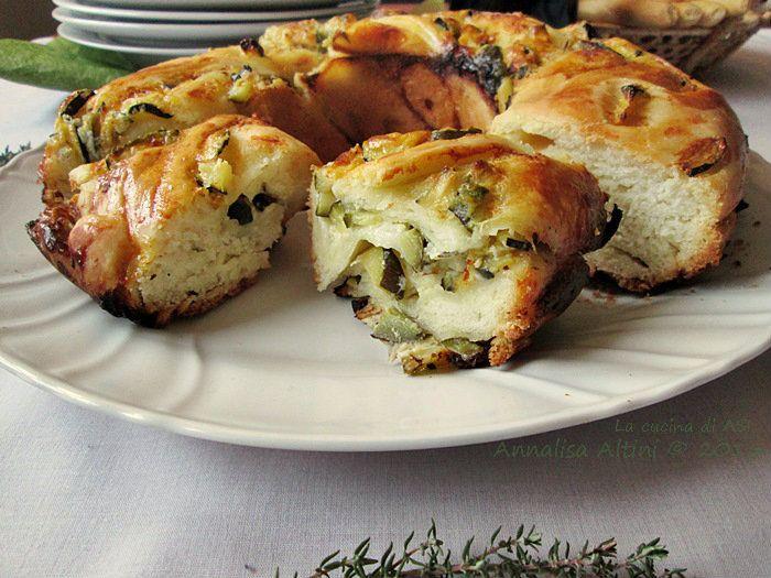 L'angelica alle zucchine è il lievitato appena pubblicato sul blog, la delicatezza delle zucchine sta meravigliosamente bene con i caprini e le spezie. ASI