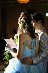 読む時は旦那さんにフォローしてもらって…☆ 披露宴で読む「花嫁から両親への手紙」の参考アイデア。