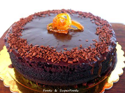 Ζουμερό σοκολατένιο κέικ χωρίς ζάχαρη