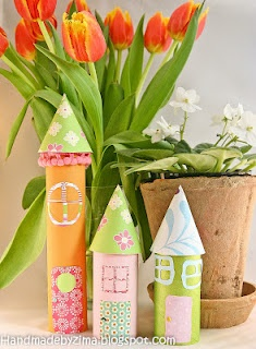 Houses made of toilet rolls. Craft to make with the kids?