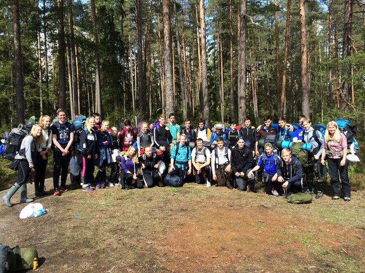 Årets vårtur med 1IDA i Østmarka til Langvann med overnatting i telt, lavo og gapahuk.
