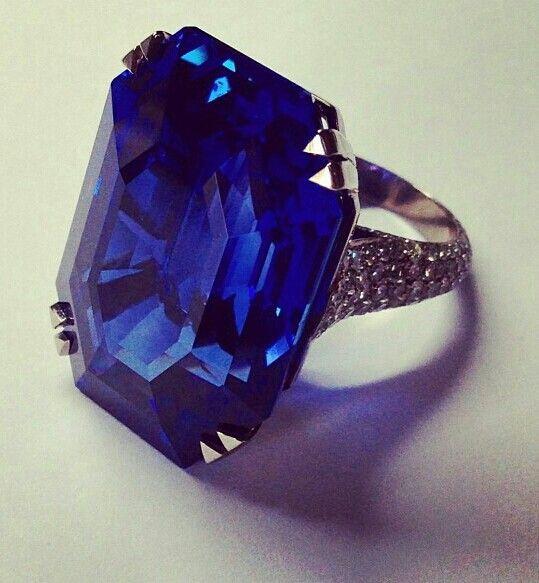 Carrett Sapphire Ring