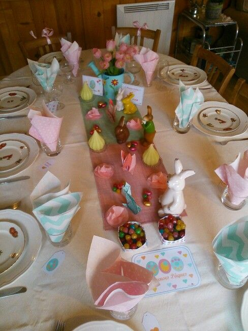 Happy Easter / Joyeuses Pâques table