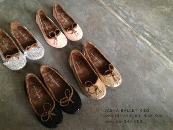 Hand made ballet shoes by Niluh Djelantik