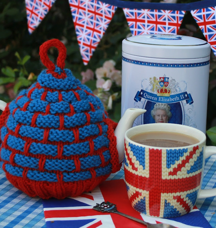 Coffee Pot Cosy Knitting Pattern : 147 best images about Tea Pot and Coffee Pot Covers on Pinterest Knitted te...