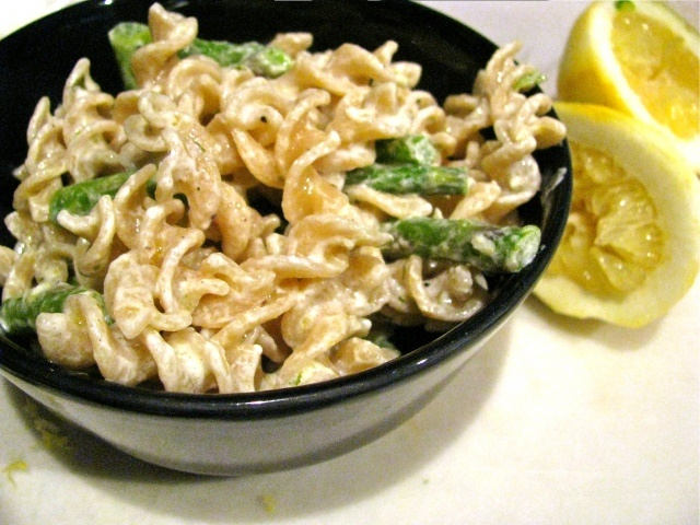 Asparagus, Goat Cheese and Lemon Pasta. Delicious and SO easy.