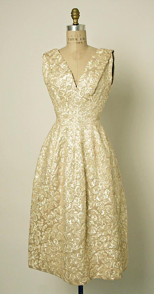 """Annapurna"" House of Dior Date: fall/winter 1955–56 #1950s #partydress #dress #vintage #retro #elegant #romantic #classic #feminine #fashion #lace #bridal #wedding #highendvintage"