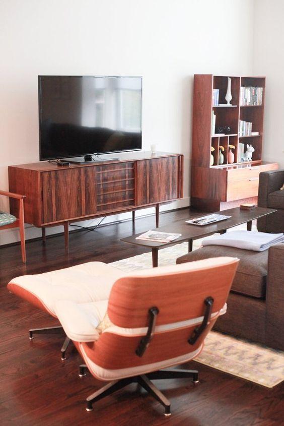 tv on wall midcentury modern apartment therapy house tours houston chris delia family room mid century white paint colors. Interior Design Ideas. Home Design Ideas
