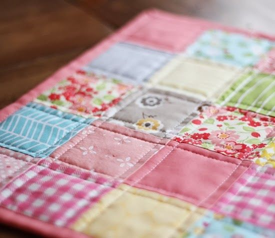 Best 25+ Doll quilt ideas on Pinterest | DIY doll quilt, Mini ... : doll quilt patterns - Adamdwight.com