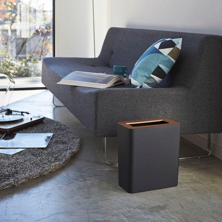 天然木とスチールの組み合わせが美しい「トラッシュカン RIN 角型」のご紹介です。スリムな角型形状でソファ横やテーブル横にフィットしてお使いいただけます◎中にはゴミ袋用のストッパーが付いているので、ゴミ袋が外から見えないようにセットすることが出来ます。お部屋の雰囲気に合わせて、スタイリッシュなブラックと、ナチュラルなホワイトからお選びいただけます。■SIZE 約W28×D15×H30cm  #home#RIN#ゴミ箱#トラッシュカン#ダストボックス#家具#インテリア#スタイリッシュ#シンプル#モダン#暮らし#丁寧な暮らし#シンプルライフ#おうち#北欧雑貨#北欧インテリア#収納#シンプル#モダン#便利#おしゃれ #雑貨 #yamazaki #山崎実業