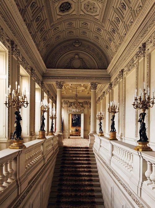 Hotel de Monaco in the Republic of Poland.w