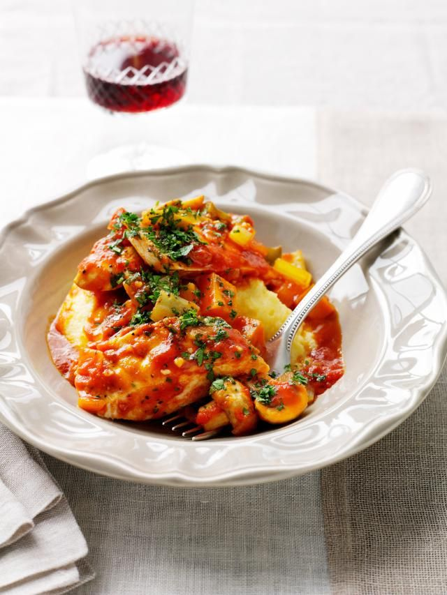 Searching for a fun Italian recipe? This delicious and flavorful recipe for Pressure Cooker Chicken Cacciatore is easy and is made in minutes.