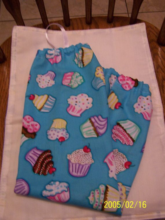 Colorful Cupcake Plastic Bag Holder by kayandgirlscrafts on Etsy, $3.50