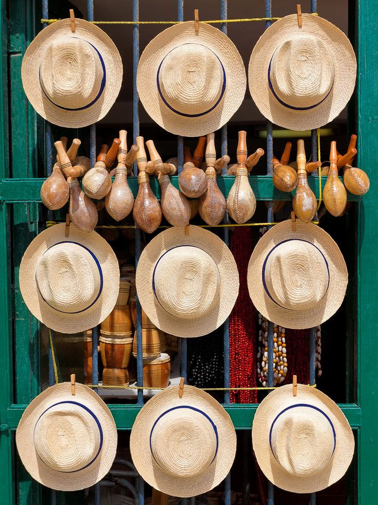 Souvenir Shop . Cuba Necesitas tu pasaporte cubano, te lo tenemos en tus  manos en menos de 2 meses. llamanos al 305.504.5017