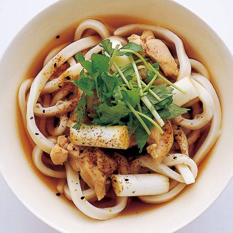鴨南蛮風とり汁ぶっかけ | 井澤由美子さんのうどんの料理レシピ | プロの簡単料理レシピはレタスクラブネット