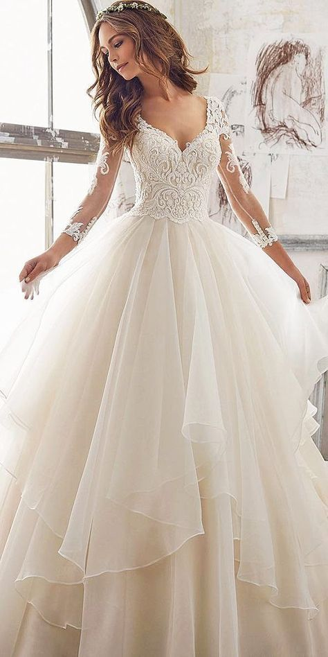 22 magnifiques robes en dentelle pour les mariées 2018