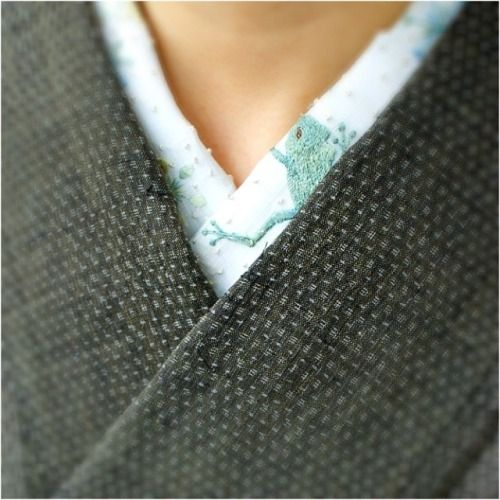qclip: カエルの半襟、越後上布に #japan #tokyo #setagaya #kimono #着物 #きもの #半襟