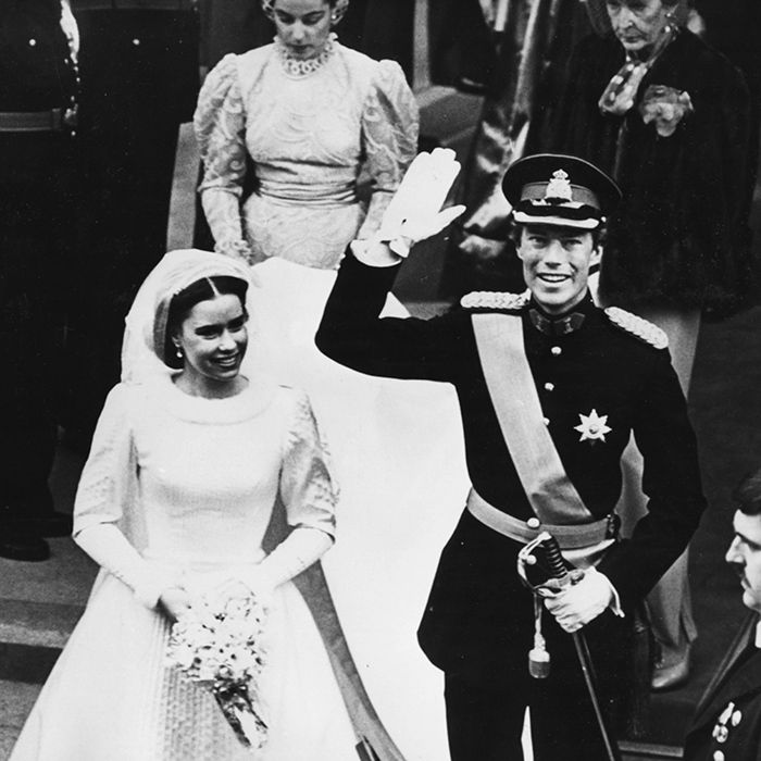 MARRIED 30+ YEARS  Grand Duke Henri and Grand Duchess Maria Teresa of Luxembourg Henri of Luxembourg is seen waving to the crowd with his new wife Maria Teresa Mestre y Batista at his side as they leave the ceremony following their vows in Luxembourg City's Notre Dame Cathedral on February 14, 1981. Henri and his Cuban bride met in college, where they both studied political science.