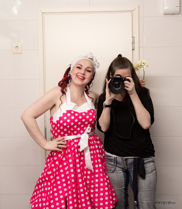 Ninotschka and I (Windmill Southwester)... In Backstage. PIN UP, Ninotschka.  Makeup and photo Windmill Southwester. Pin Up-henkistä settiä Verkkokaupassa...