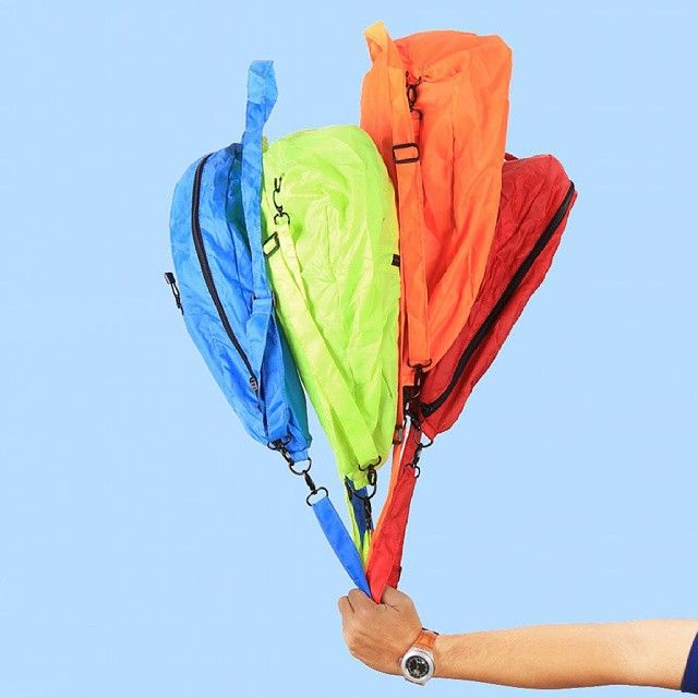 Hold it like a baloon and bring it back into the memory of your childhood where happiness and holiday is everyday, where everywhere is our background play, #cub #cubtraveler #nylon #vscocam #bags #baloon #outdoor #products #traveling #traveler