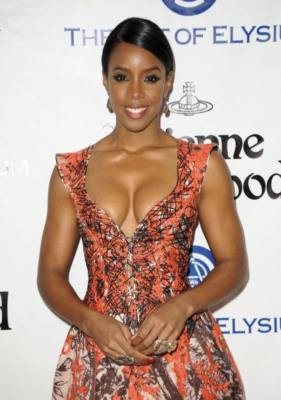 Kelly Rowland boob job - Celebrity plastic surgery transformations