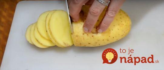 Gordon Ramsay ukázal perfektný nápad, ktorý určite oceníte najmä vtedy, keď budete potrebovať rýchle pohostenie pre návštevu, alebo jednoducho budete mať chuť na ničo výborné pod zub. Dokonca, aj keď doma nenájdete kyslú smotanu, stačí, ak zemiaky potriete olejom v ktorom si rozmiešate strúčik cesnaku, soľ a bazalku. Potrebujeme: 1 veľká nový zemiak Kyslú smotanu...