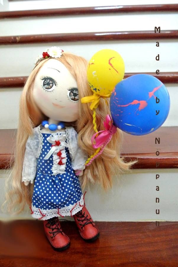 Aya with her balloons. (40 USD)