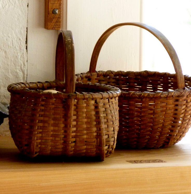 Colonial Williamsburg...love those especially large supports woven into the front basket!