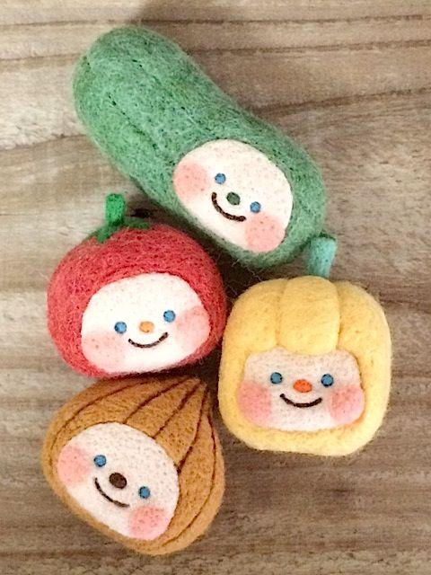 出品作業そっちのけでずっとおやちゃいの栽培をしていました。 トマト一粒収穫♪ トマトちゃん♪ 他にも続々育って…