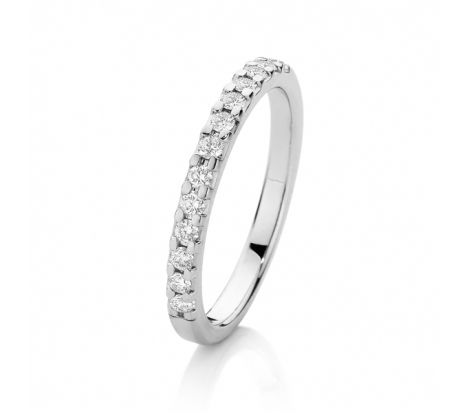 This diamond wedding band matches the Canadian Fire ring SJ0012 perfectly. It has been crafted from 18ct white gold and includes 0.25ct TDW of rare white diamonds