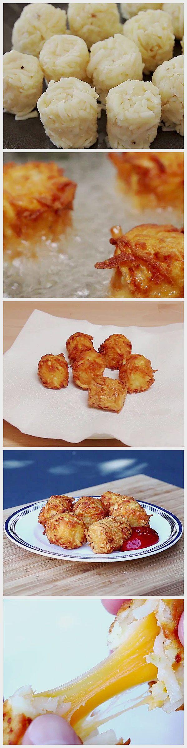 Bolitas de papa rellenas con queso.