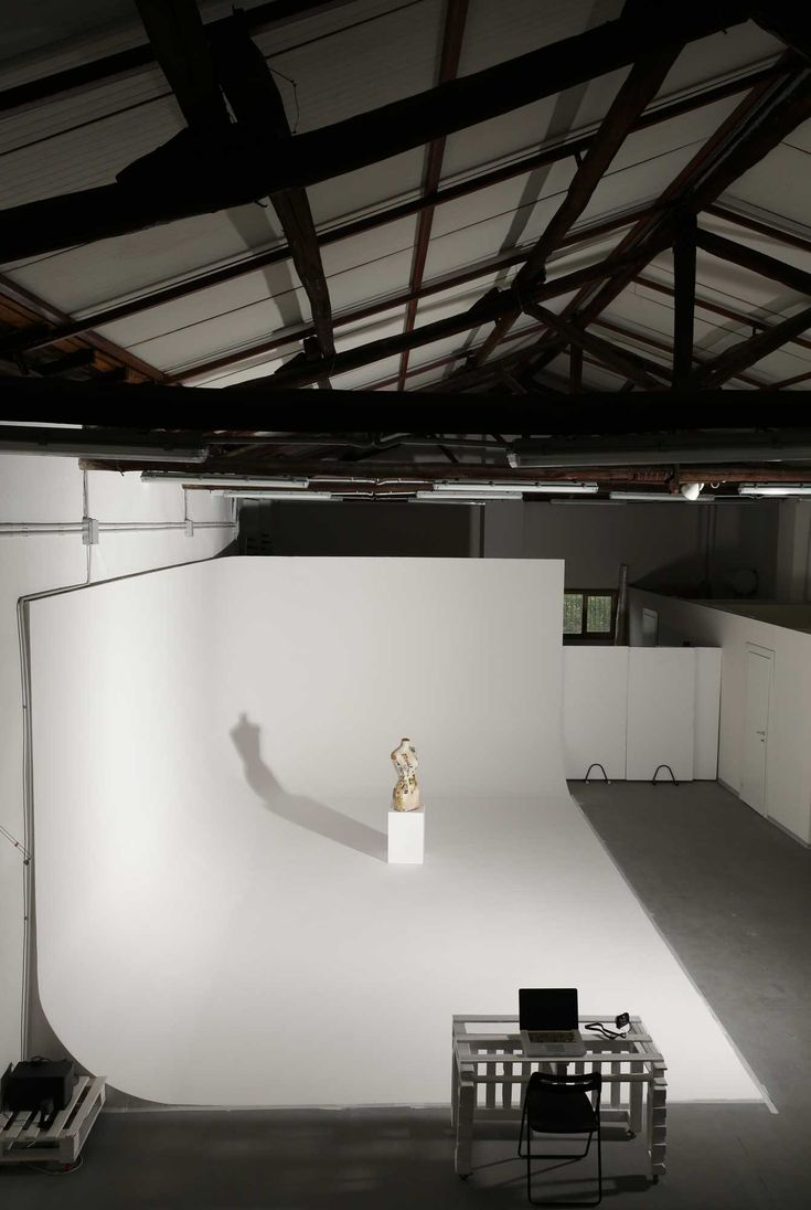 Limbo cyclorama a Roma di Lumina Sense art lab. Sala posa, studio fotografico, spazio make up