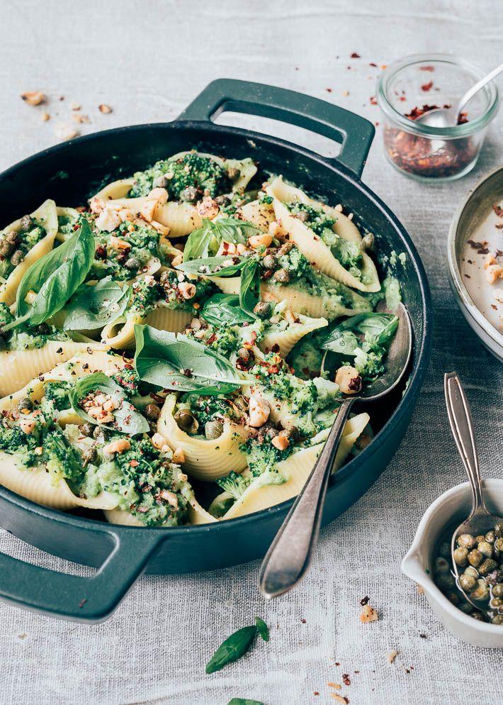 Gevulde Pastaschelpen Met Broccoli Uit Pauline S Keuken Recept Broccoli Bloemkool Dagelijks Eten Maaltijdrecepten