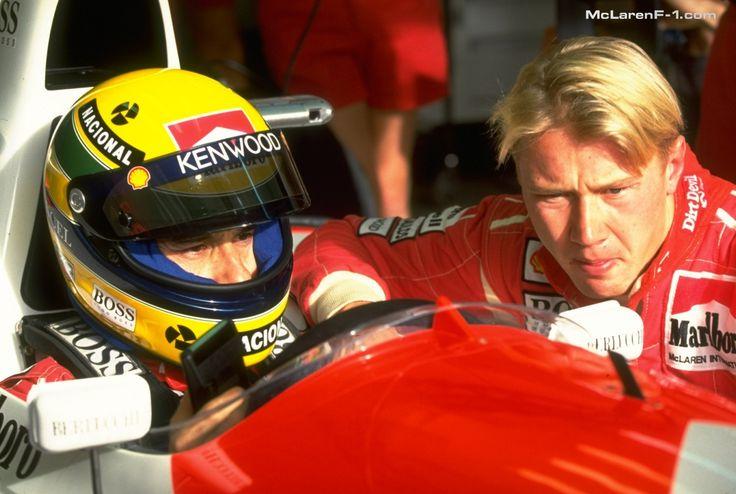 Mika Häkkinen yhdessä Ayrton Sennan kanssa. Enää eivät formulat jaksa niin paljon innostaa, mutta näiden aikojen muistelu kyllä herättää aina tunteita.