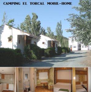 Instalaciones de Mobil Home. Dos dormitorios dobles, cocina, baño  y pequeño salón.