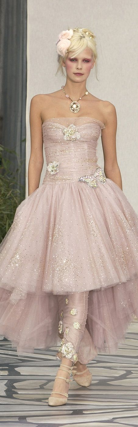 49 best chanel 2003 chanel2003 images on pinterest for Coco chanel wedding dress