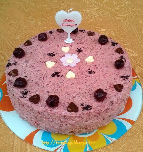 Tortafüggő Marisz: Mákos-meggyes torta-http://tortafuggo.blogspot.hu/2015/11/makos-meggyes-torta.html
