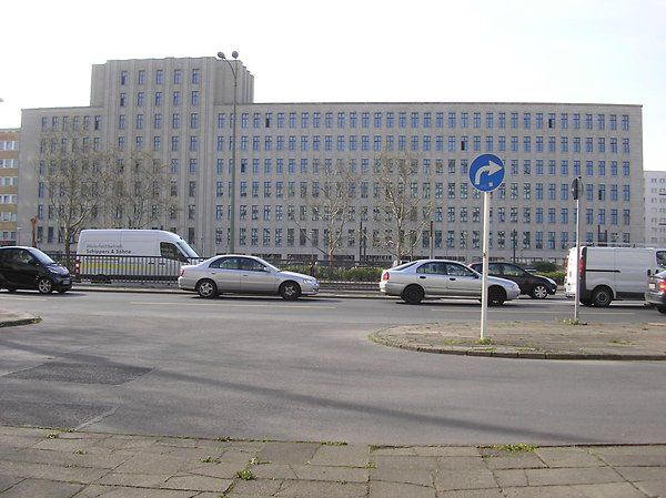 Das frühere Polizeipräsidium in der Keibelstraße. Foto:  Archiv/Berliner Verlag – Quelle: https://www.berliner-zeitung.de/25556378 ©2017