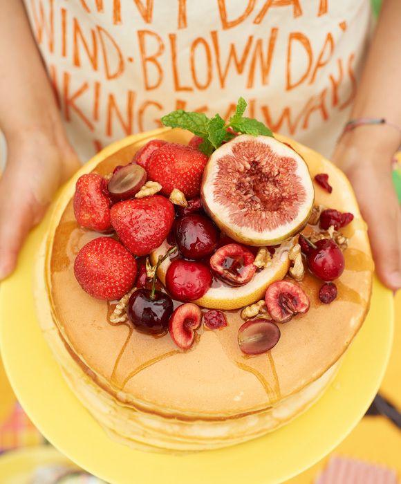 フルーツたっぷりパンケーキ