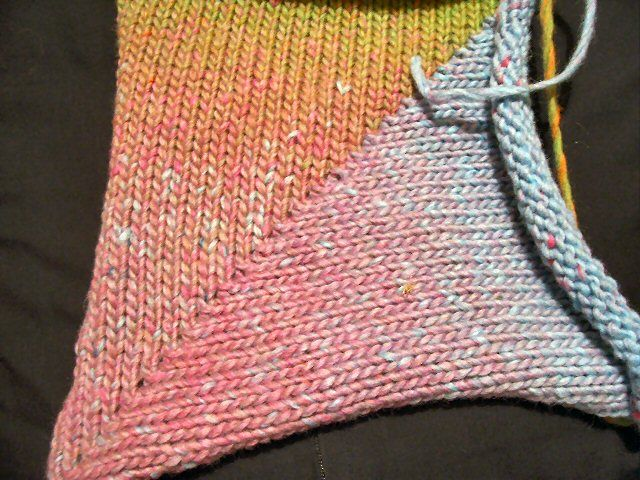 Short-rowing part 2 - knitting a diagonal corner; Picture 050