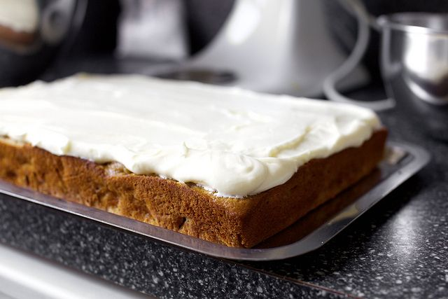 roasted apple spice sheet cake - esp d frosting: 3 8-ounce cream cheese, at room temp, 1 1/2 cups butter, at room temp, 1 tablespoon (15 ml) vanilla, 6 cups powdered sugar