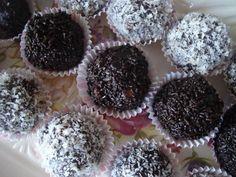 Εύκολα τρουφάκια με ζαχαρούχο