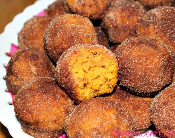 PUMPKIN POPPERS   These are super tasty, easy to make, and no Autumn should pass by without giving them a try. This recipe originally comes from Domestically Speaking. CLICK FOR RECIPE