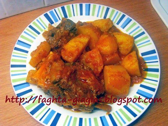 Τα φαγητά της γιαγιάς: Αρνί κοκκινιστό με πατάτες στην κατσαρόλα (πατατάτ...