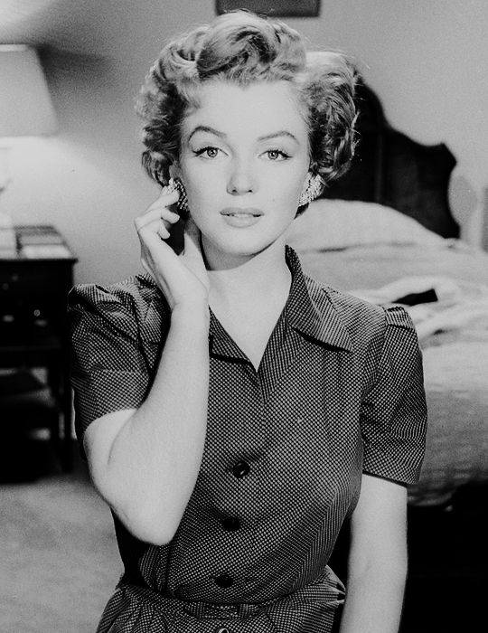 "Citaten Marilyn Monroe Chord : Beauvelvet """"marilyn monroe photographed during the"