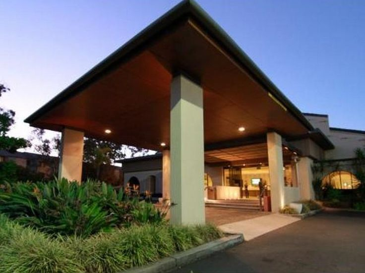 Gold Coast Quality Hotel Mermaid Waters Australia, Pacific Ocean and Australia Quality Hotel Mermaid Waters is conveniently located in the popular Mermaid Beach area. The hotel offers guests a range of services and amenities designed to provide comfort and convenience. 24-hour front desk, 24-hour room service, facilities for disabled guests, express check-in/check-out, luggage storage are just some of the facilities on offer. Designed for comfort, selected guestrooms offer tel...